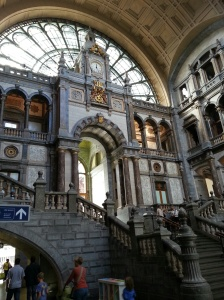 Antwerp Central Station by morethanexpat